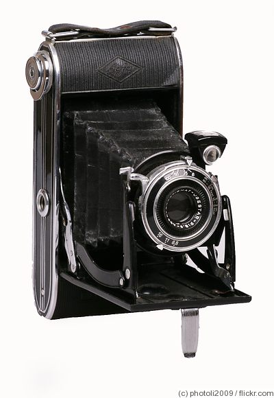 AGFA: Billy Record 8.8 camera