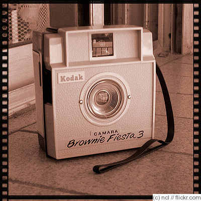 Kodak Eastman: Brownie Fiesta 3 camera