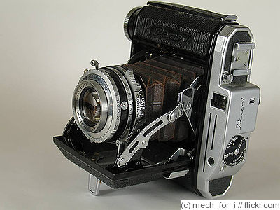 Konishiroku (Konica): Pearl III MX camera