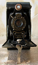 Kodak Eastman: No. 2 Folding Autographic Brownie camera