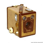 Kodak Eastman: Six-20 Brownie Model F camera