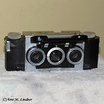 White: Stereo-Realist 1041 camera