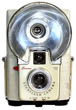 Kodak Eastman: Brownie StarFlash camera