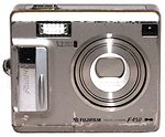 Fuji Optical: FinePix F450 Zoom camera