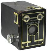 Kodak Eastman: Brownie Target Six-20 (US) camera
