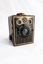 Kodak Eastman: Six-20 Brownie Model B camera