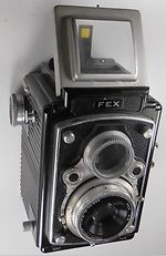 Fex - Indo: Ultra Reflex (4.5) camera