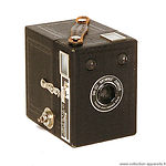 Kodak Eastman: Six-20 Brownie Junior Portrait camera