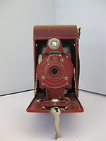Kodak Eastman: Folding Rainbow Hawk-Eye No.2 Model B camera