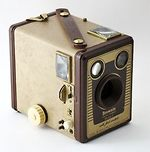 Kodak Eastman: Brownie Six-20 F camera