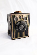 Kodak Eastman: Six-20 Brownie Camera Model B camera