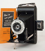 Kodak Eastman: Folding Brownie Six-20 camera