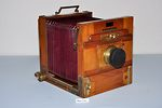 Demaria Freres: Quadra (tailboard) camera