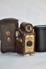 Coronet Camera: Midget brown camera