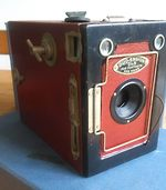 Houghton: Duo-Ensign 2 1/4 B (box, colored) camera