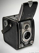 Bilora (Kürbi & Niggeloh): Bonita (6x6, folding finder hood) camera