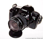 Canon: EOS 1000N (EOS Rebel II) camera