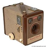 Kodak Eastman: Brownie Flash B camera