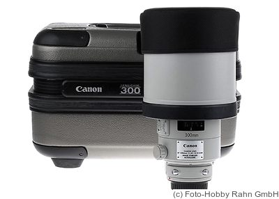 Canon: 300mm (30cm) f2.8 EF L IS II USM camera
