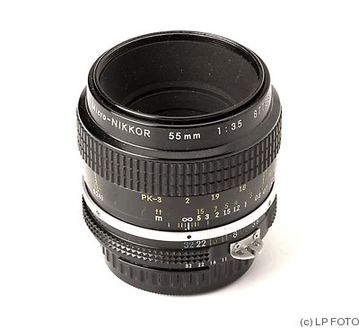 Nikon: 55mm (5.5cm) f3.5 Micro-Nikkor (AI, black) camera